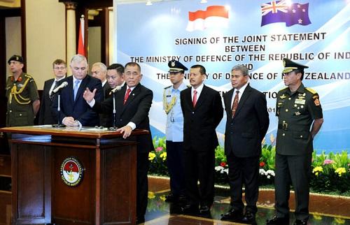 Menhan RI – Menhan Selandia Baru Tandatangani Pernyataan Bersama Kerjasama Pertahanan Kedua Negara. Foto: Dok. Kementan
