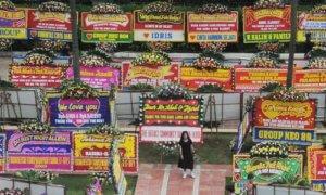 Karangan Bunga Berdatangan ke Balaikota, Inikah Bukti Rakyat Cinta Ahok. Foto: Dok. Merdeka.com