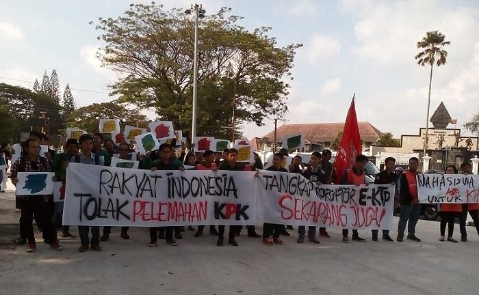Koalisi Masyarakat Sipil Anti Korupsi gelar Aksi Damai tolak Hak Angket KPK, di 0km Yogyakarta, Kamis (20/7/2017). Foto Tri Utami (Kontributor Yogyakarta)