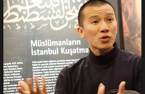 Aktivis Hizbut Tahrir Indonesia (HTI) Felix Y Siauw/Foto: Dok. HTI/Nusantaranews