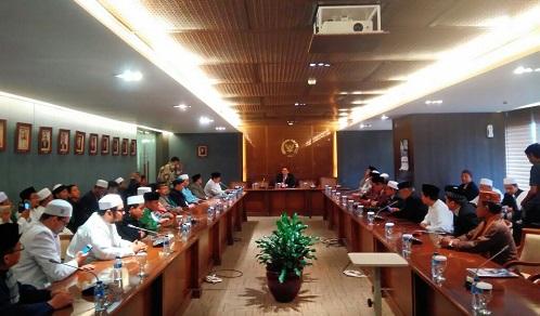 Forum ormas menemui DPR. Foto Istimewa (Ucok Al Ayyubi)