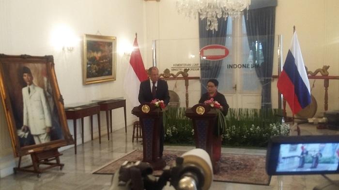 Menlu RI Retno Marsdui dan Menlu Rusia Sergey Lavrov di Gedung Pancasila Kemenlu, Jakarta Pusat, Rabu (9/8/2017). Foto Ucok AL Ayubbi/ NUSANTARANEWS.CO