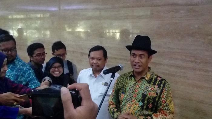 Menteri Pertanian Andi Amran Sulaiman di sela-sela acara pengukuhan DPP MPPI (Masyarakat Perbenihan dan Perbibitan Indonesia) di Auditorium Kementan, Jakarta, Senin (21/8/2017). Foto Richard Andika/ NusantaraNews.co