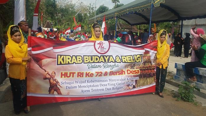 Kirab Budaya dan Religi oleh Warga Kradenan, Senin (28/8/2017). Foto Muh. Nurcholis/ Nusantaranews.co