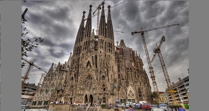 Basilica of La Sagrada Familia Barcelona. Foto: fingerbook