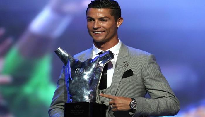 Cristiano Ronaldo dinobatkan sebagai UEFA Player of the Season untuk musim 2016/2017 pada Kamis (24/8). (Foto: AFP)