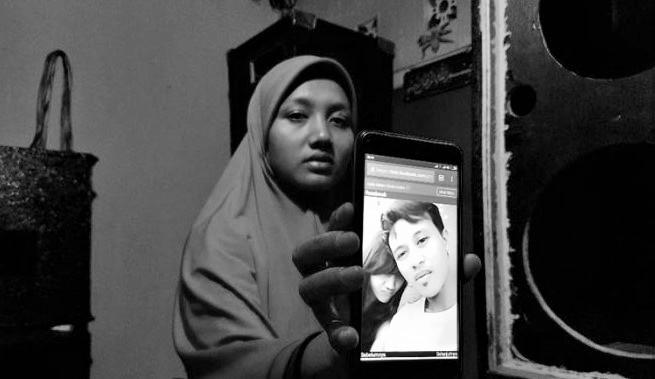 Siti Zubaedah (25) istri Muhammad Al Zahra alias Joya (30) Korban amuk massa yang main hakim sendiri. Foto: Tribunnews.com