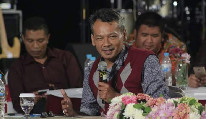 Pengamat politik dari Universitas Trunojoyo Bangkalan, Mochtar W Oetomo. Foto Tri Wahyudi/ NUSANTARANEW.CO