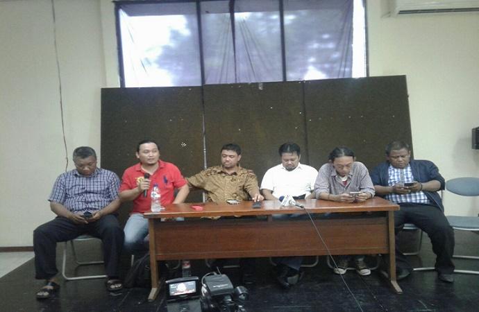 Jumpa pers di Kantor LBH Jakarta, Selasa (15/8/2017). (Foto: Ucok Al Ayubbi/Nusantaranews)