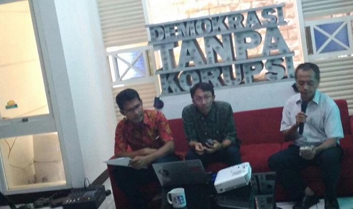 Diskusi Indonesia Corruption Watch (ICW) di Kantor ICW, Jakarta, Rabu (30/8/2017). Foto Ucok Al Ayubbi/ NusantaraNews.co