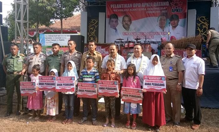 Suasana saat Pelantikan DPD APKLI Kabupaten Batang, pada Selasa (29/8/2017), di halaman kantor Kecamatan Limpung, Batang, Jawa Tengah Foto: Dok. Humas APKLI/ NusantaraNews.co