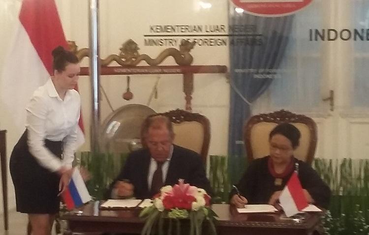 Menlu Rusia Sergey Lavrov bertemu Menteri Luar Negeri Indonesia Retno Marsudi/Foto Ucok AA/Nusantaranews