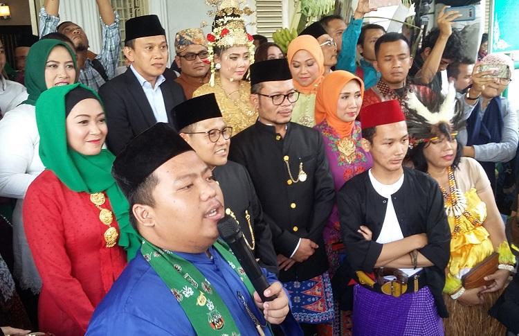 Muhaimin Iskandar dan Hanif Dakhiri Saat Hadiri Acara Nikah Masal PKB/Foto Ucok/Nusantaranews