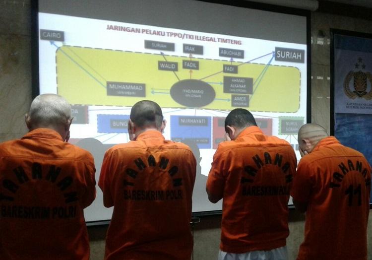 Tersangka Pelaku Penyelundupan dan Perdagangan Manusia/Foto Ucok AA/Nusantaranews