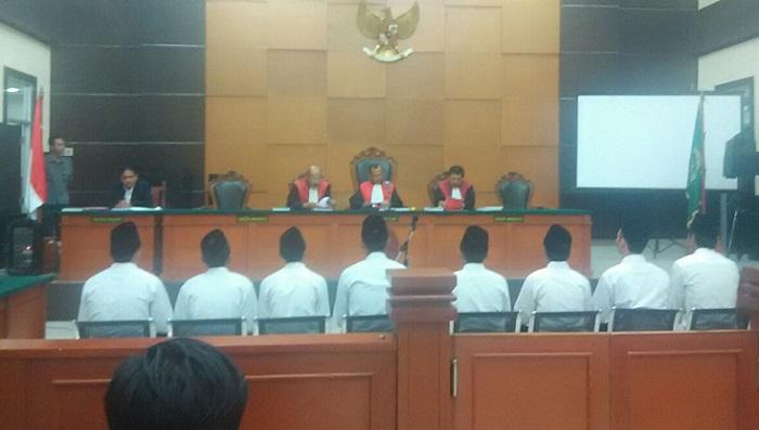 Lanjutkan Sidang Kasus Bentrok Warga Jatiwaringin Vs Geng Motor, Selasa (29/8/2017) siang. Foto NusantaraNews.co