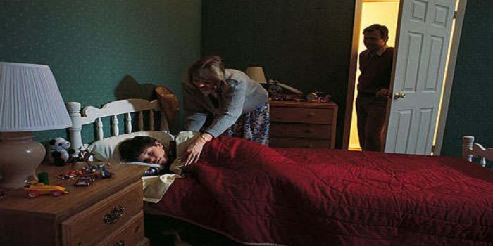 Kapan Orang Tua Melatih Anak Tidur di Kamarnya Sendiri?
