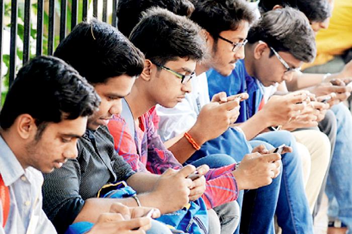Smartphone berdampak pada penurunan kesehatan mental remaja?