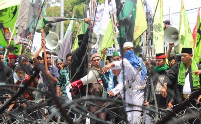 Aksi Solidaritas Rohingya di Kedubes Myanmar. Foto Richard Andika/ NusantaraNews.co