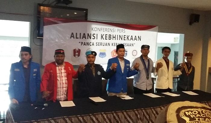 Ketua Pengurus Besar PMII, Agus Herlambang (Tengah).. Foto Ucok Al Ayubbi/ NusantaraNews