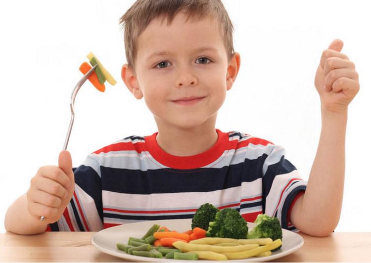 Anak Makan Sayur/Foto Ilustrasi/Net/Blogspot/Nusantaranews