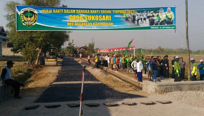 Bakti Sosial Terpadu (BST) yang digulirkan Pemerintah Kabupaten Madiun kali ini dilaksanakan di Desa Sukosari, Rabu, 20 September 2017. Foto Timbul/mc/ NusantaraNews