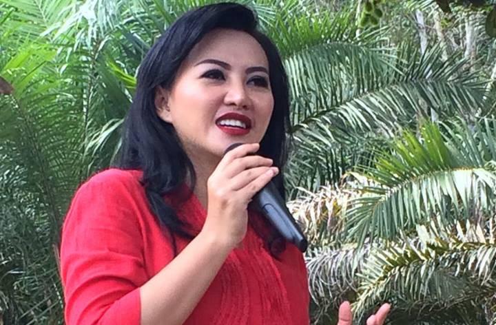 Bupati Landak , Karolin Margret Natasa. (Foto via Eddy Santri/Nusantaranews)