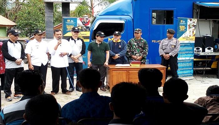 Kementerian Pekerjaan Umum dan Perumahan Rakyat (PUPR) mengadakn kegiatan Diklat Pertukangan Kayu, Besi dan Batu di Trenggalek. (Foto: Istimewa)