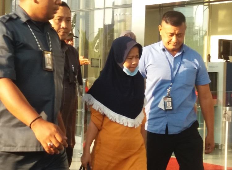Hakim Suryana Tiba di KPK/Foto Restu Fadilah/Nusantaranews