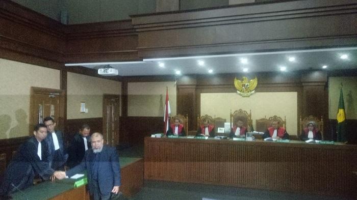 Mantan Hakim Mahkamah Konstitusi (MK) Patrialis Akbar di pengadilan Tipikor Jakrta, Senin, 4 September 2017. Foto Restu Fadilah/ NusantaraNews.co