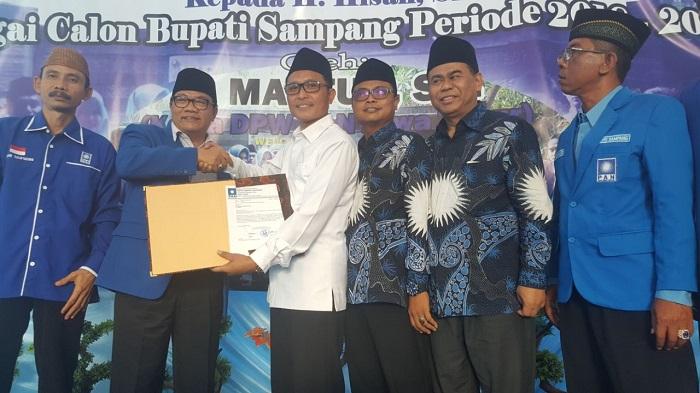 Dukungan Mengalir, Politisi Demokrat Ini Mantap Maju Pilbup Sampang. Foto Tri Wahyudi/ NusantaraNews.co