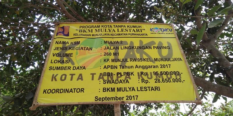 Proyek fisik yang mengusung tema program Kota Tanpa Kumuh (kotaku) yang kini sedang digulirkan pemerintah pusat kota di kabupaten Purwakarta. (Foto: Fujo Ganteng/Nusantaranews)