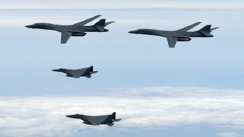 BOMBERS: Pesawat Pentagon secara teratur terbang melintasi Semenanjung Korea dengan menunjukkan kekuatan kepada Kim Jong-un. (Getty Images)