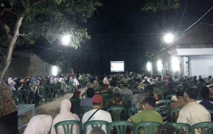 Warga Ponorogo Ramai-Ramai Nobar Film G30S/PKI