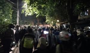 Massa berdatangan menentang seminar pro PKI/Foto Istimewa/Nusantaranews