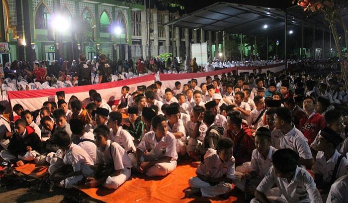 Komando Distrik Militer (Kodim) 0808/Blitar Bersama yayasan Maarif Udanawu menggelar pemutaran film sejarah penumpasan G30S/PKI Kab Blitar, Rabu (27/09/17). Foto amrin08/Kapenrem 081/ NusantaraNews