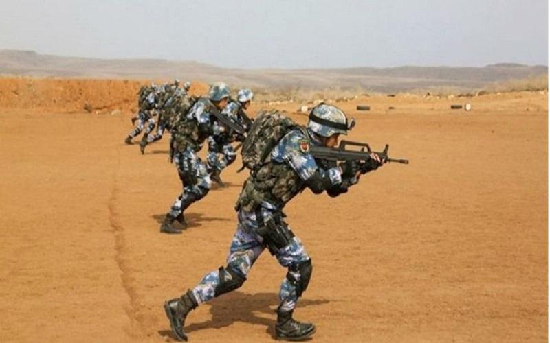 Tentara Pembebasan Rakyat (People's Liberation Army/PLA) Angkatan Laut China gelar latihan menembak (live-fire) di sekitar pangkalan angkatan lautnya di Djibouti. (Foto: PLA-Navy)