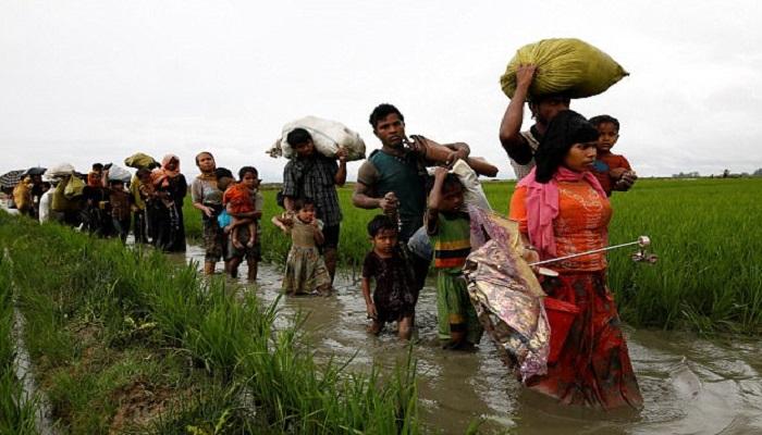 Warga Rohingya, Rakhine terpaksa harus melarikan diri ke tempat yang lebih aman ketimbang jadi korban pembunuhan. (Foto: Reuters)