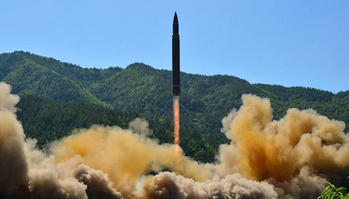 Uji coba rudal balistik Korea Utara. (Foto: Reuters/KCNA)