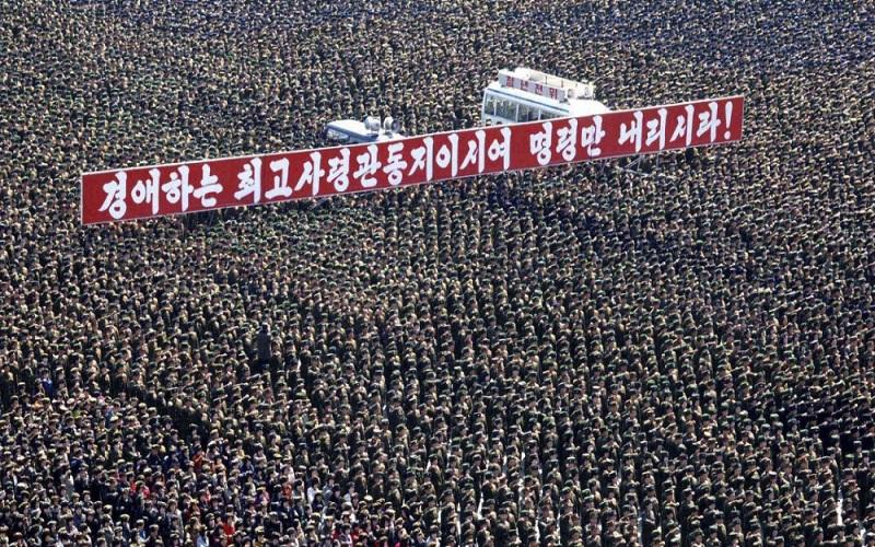 Pada 29 Maret 2013 silam, Korea Utara mengadakan parade militer dalam sebuah pertemuan di Kim Il Sung Square di Pyongyang. (Foto: AFP/Getty Images)