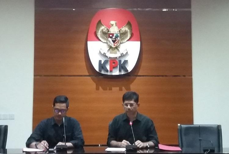 Wakil Ketua KPK, Laode Muhammad Syarif bersama Febri Diansyah di KPK/Foto Restu Fadilah/Nusantaranews