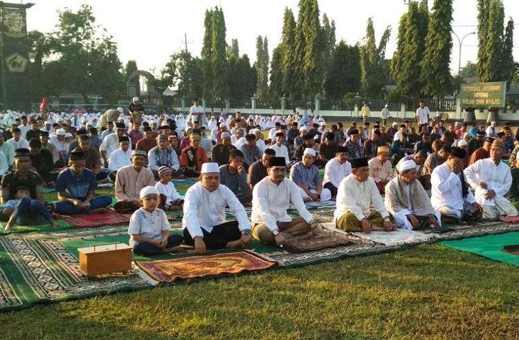 Kodim 0819/Pasuruan bersama Forkopimda Pasuruan melaksanakan Sholat Idul Adha/Foto Dok. Pribadi/Nusantaranews