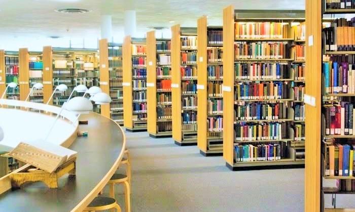 Ruang Perpustakaan Gedung Merdeka. Foto: Dok. duniaperpustakaan.com