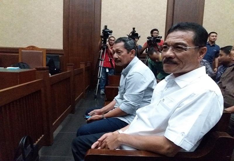 Mantan Menteri Dalam Negeri, Gamawan Fauzi mengaku pernah menerima uang honor proyek e-KTP saat jadi saksi dalam sidang Pengadilan Tipikor, Jalan Bungur Besar, Jakarta Pusat, Senin, (9/10/2017). (Foto: Restu Fadilah/NusantaraNews)