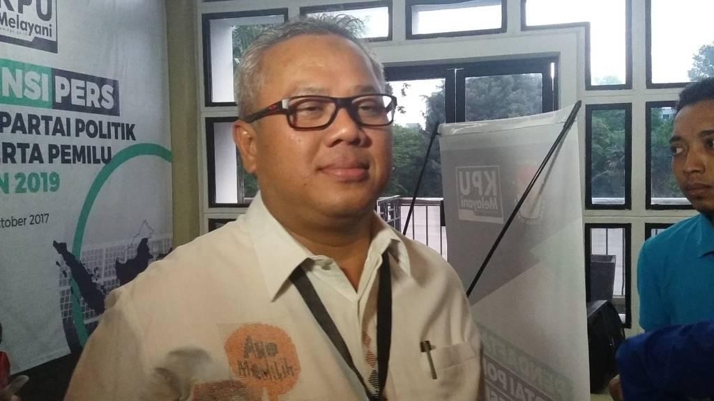 etua KPU (Komisi Pemilihan Umum), Arief Budiman memastikan tidak ada masalah dalam pendaftaran calon Partai Politik (Parpol) untuk Pemilihan Umum (Pemilu) 2018 mendatang melalui Sitem Informasi Partai Politik (SIPOL). (Foto: Restu Fadilah/NusantaraNews)