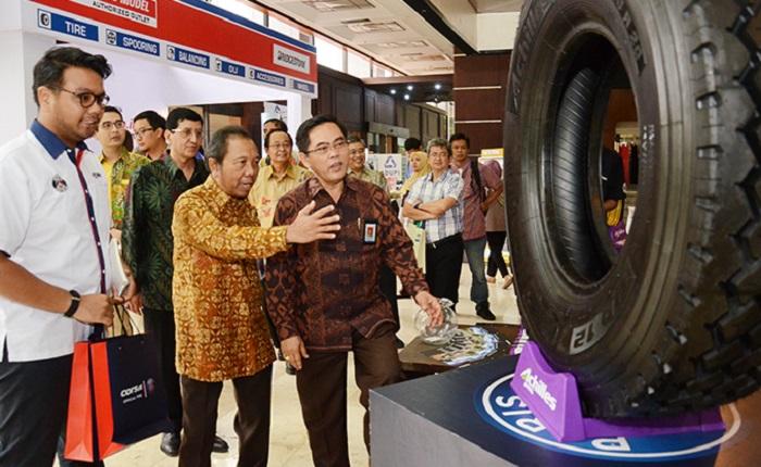 Sekjen Kementerian Perindustrian, Haris Munandar pada acara Pembukaan Pameran Produk Industri Plastik dan Karet Hilir di Jakarta, Selasa (3/10/2017). Foto: Dok. Humas Kemenperin