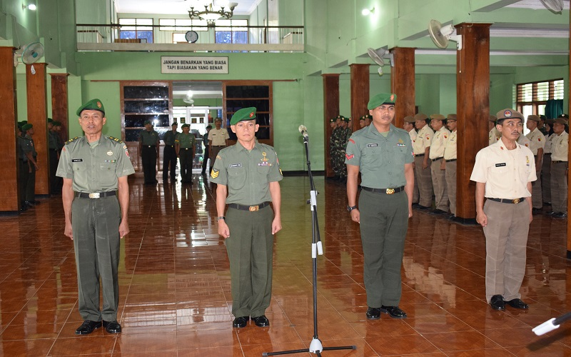 Acara Laporan Korp Kenaikan Pangkat 1 Oktober 2017 Perwira, Bintara dan Tamtama di Aula Makorem 081/DSJ jl. Pahlawan No 50 Kota Madiun, Selasa (3/10/17). (Foto: Istimewa)