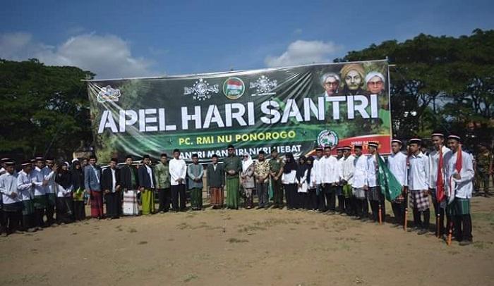 Apel Peringatan Hari Santri, Minggu (22/10/2017). Foto Muh Nurcholis/ NusantaraNews