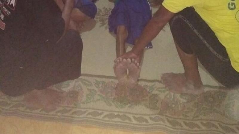 Seorang korban berinisial S (70), petani warga desa Dukuh Ciluk 2, Kecamatan Kauman, Ponorogo gantung diri karena sakit tak kunjung sembuh. (Foto: Muh Nurcholis/NusantaraNews)