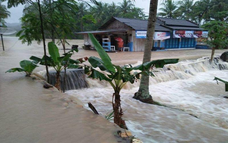 Bencana banjir di daerah Kabupaten Pangandaran, Jawa Barat, Sabtu (7/10/2017). (Foto: Istimewa)