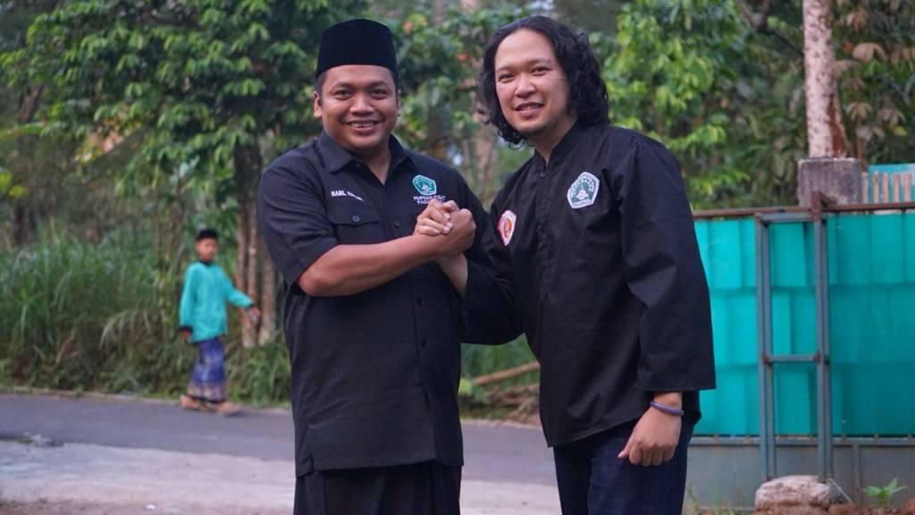 Ketua Umum Pagar Nusa, M. Nabil Haroen bersama Duta Pagar Nusa, Noe Letto, pada Pelatikan PC Pagar Nusa Boyolali, Jawa Tengah, Minggu (29/10/2017). (Foto: Istimewa)